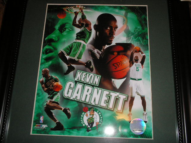 BOSTON CELTICS KEVIN GARNETT FRAMED PHOTO  BOSTON CELTICS