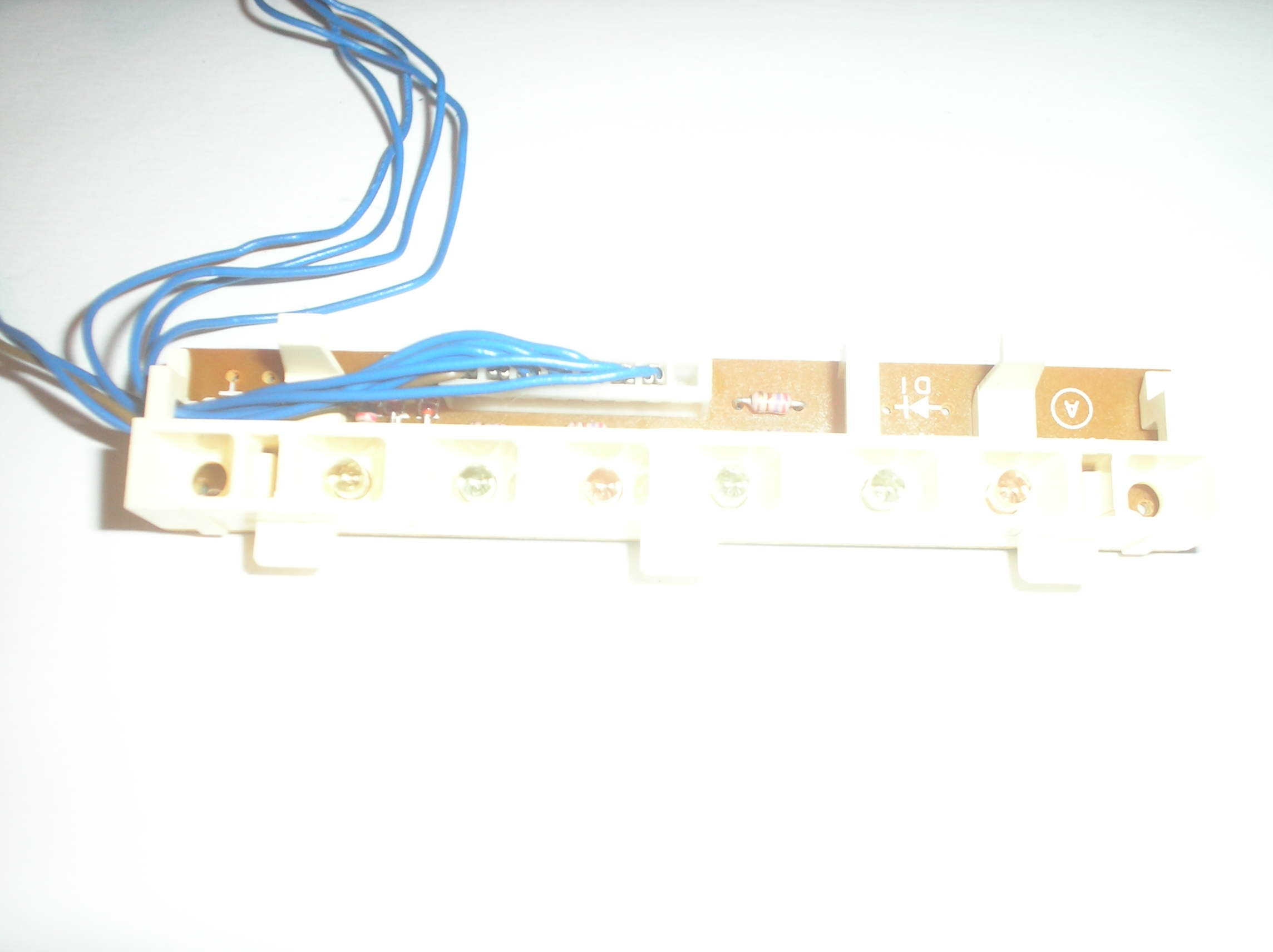 RS-T230 Cassette Deck A Tape Indicator Board Assy.  item is used.Technics part number is SLNST230-KM Led Block Assy