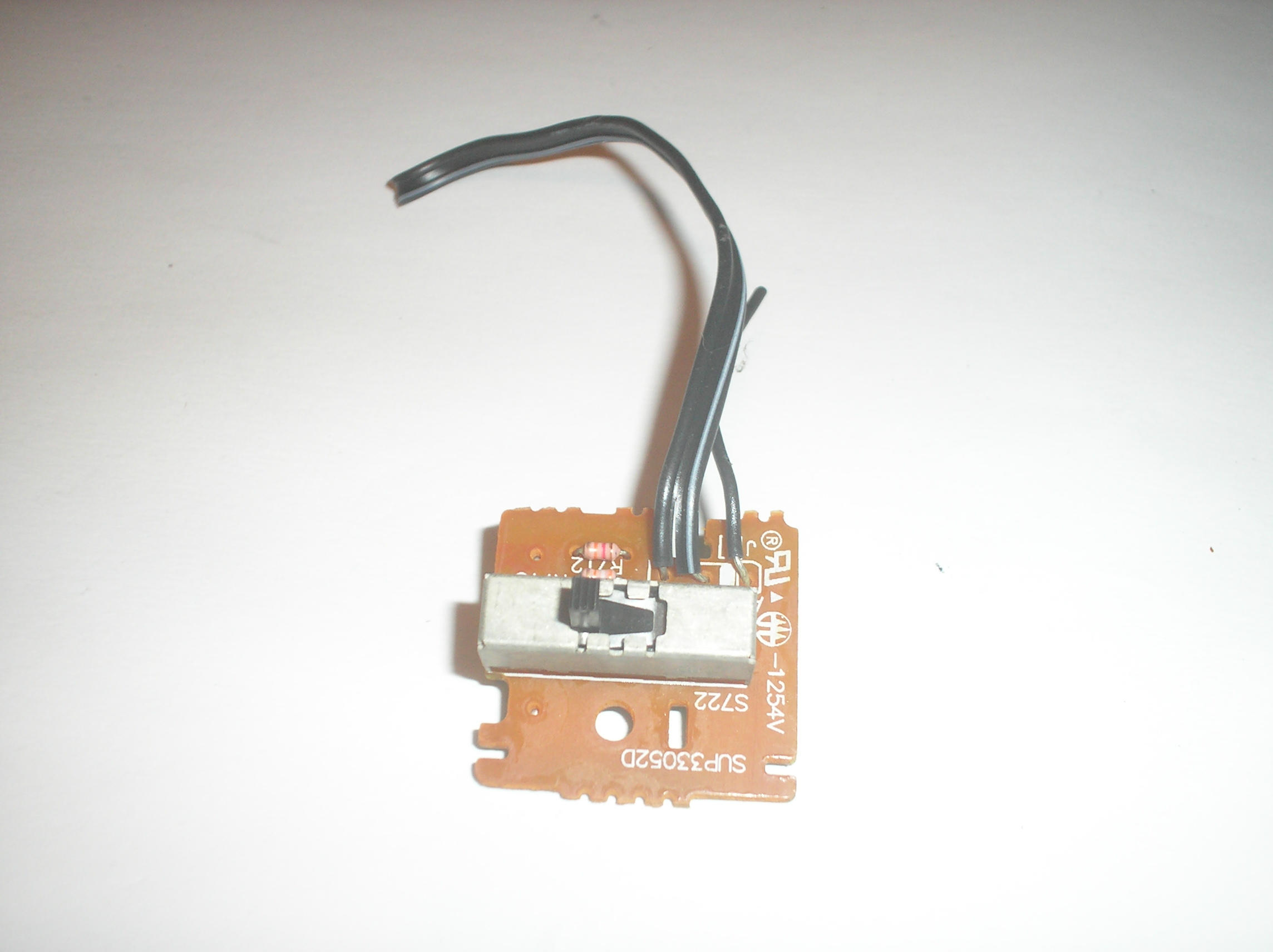 RS-T230 Timer Record Switch Assy. contains switch button board and grounding piece. item is used.